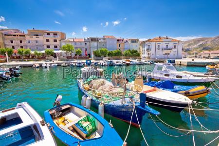 vista del puerto de pescadores de