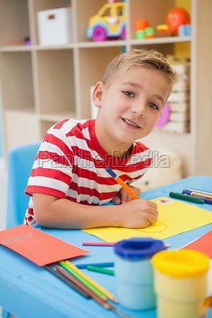 risilla sonrisas escritorio educacion arte masculino