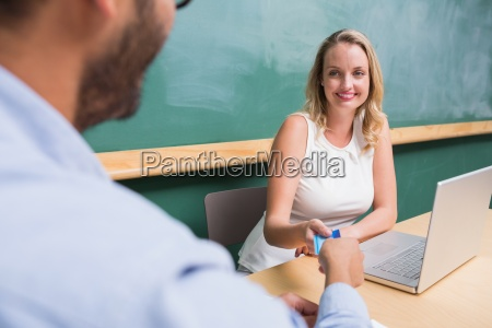 mujer oficina portatil computadoras computadora ordenador