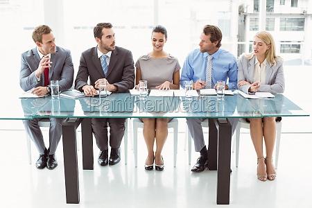 panel de funcionarios de personal corporativo