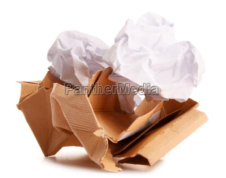 reciclaje de papel aislado en blanco