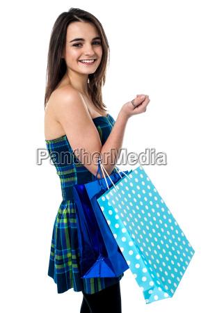 chica, de, moda, con, bolsas, de - 14009741