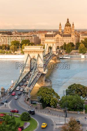 puente de cadena en budapest hungria