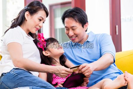 la familia de compras en linea