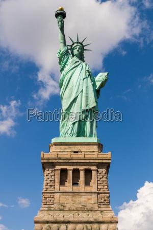 estatua de la libertad en nueva