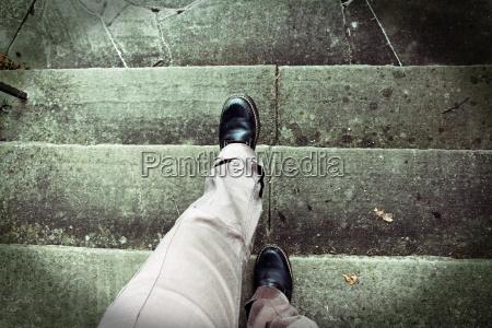 ataque de gidle mientras corre escaleras
