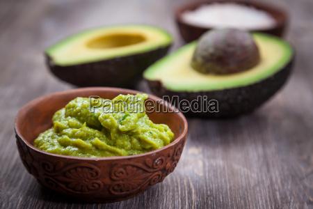 guacamole con aguacate