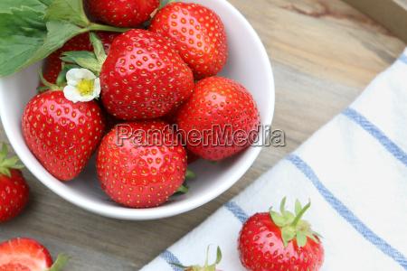fresas en un tazon