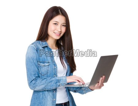 asian woman use of the laptop