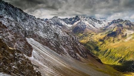 enorme montanyas salvaje alpes caminata impresionante