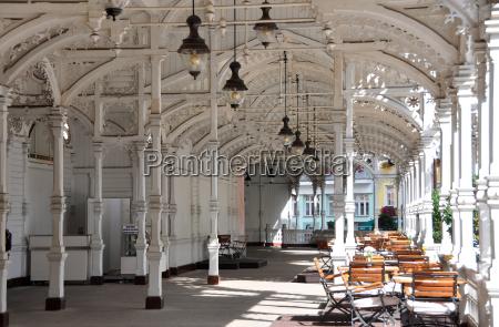 arquitectura de banyo historico en carlsbad