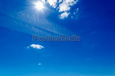 azul las nubes desnudo cielo luz