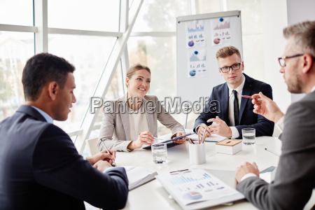 mujer personas gente hombre oficina estrategia