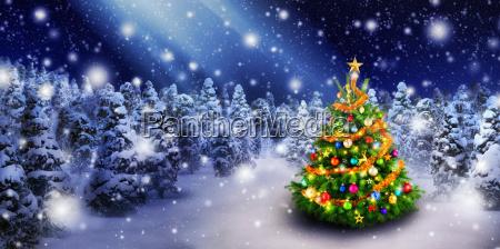 Arbol de navidad en la nieve