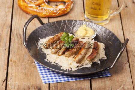 alimento salsicha chucrute frankfurters nuernberger