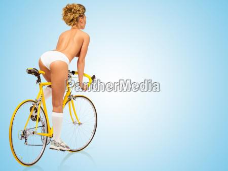 carrera, erótica. - 15875781