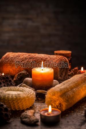 naturaleza muerta piedra vela terapia mineral