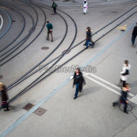 concepto de trafico urbano calle de