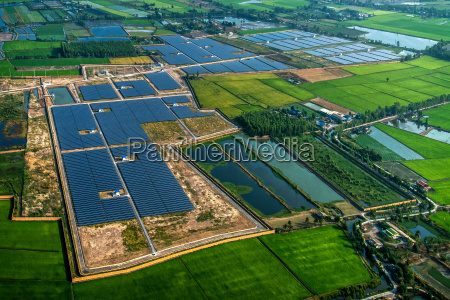 solar farm solar panels photo from