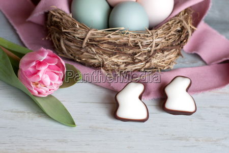 flor planta pastel tulipan huevos bolas