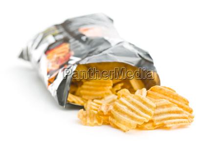 arrugar las papas fritas cortadas