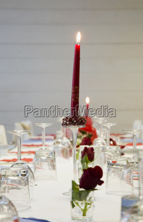 set table with roses and candles