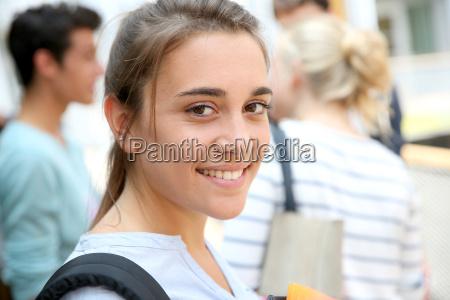 personas gente hombre risilla sonrisas educacion
