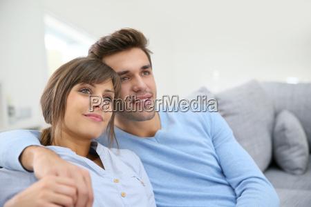 tipo mujer azul risilla sonrisas relajacion