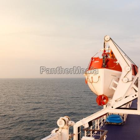 emergencia contenedor rescate bote salvavidas de