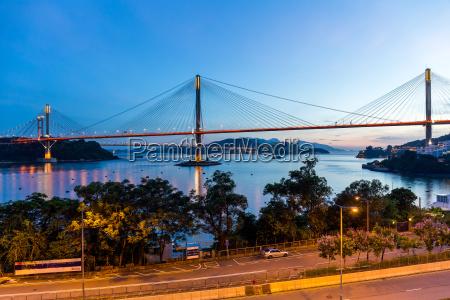puente colgante en hong kong por