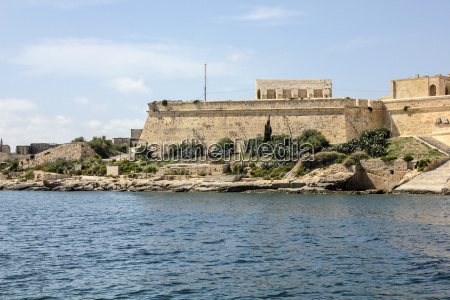 the city walls of valletta with