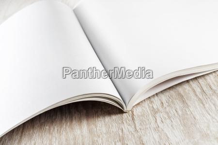 folleto en blanco revista imitacion pagina
