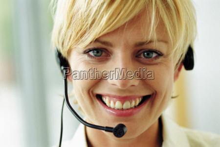 mujer risilla sonrisas femenino cara retrato