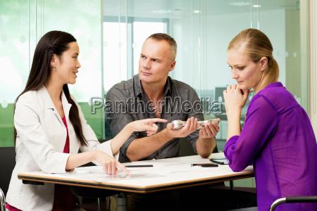 oficina sala de conferencias femenino industria