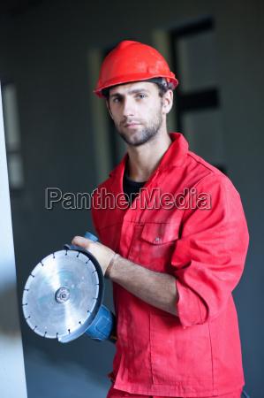 masculino retrato concentracion posicion precision preparacion