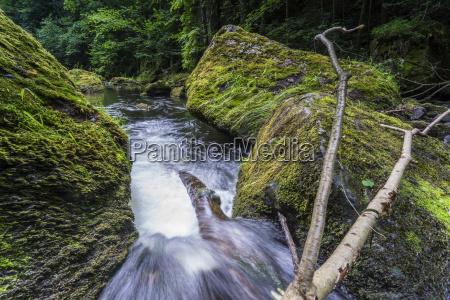 flujo de verano con exposicion prolongada