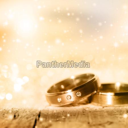 anillos de boda dorados