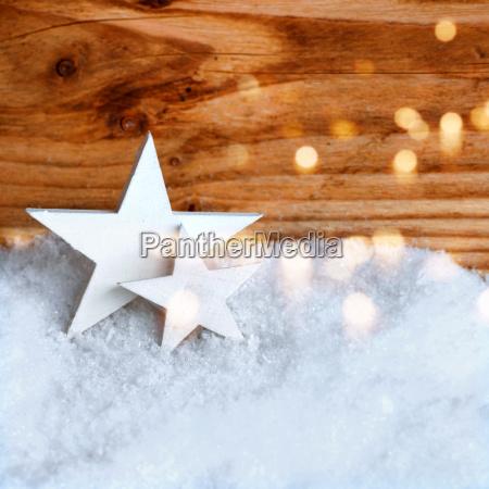 estrellas blancas de navidad en la