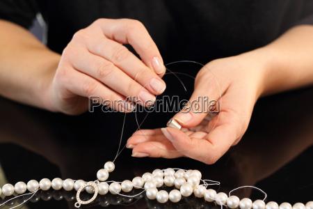 mujer nawleka perlasperascentes perlas