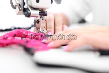 moda trabajo maquina de coser sastreria