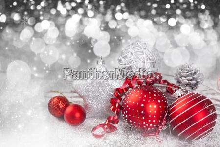 fondo de navidad con decoraciones rojas