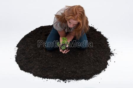 mujer medio ambiente suelo curiosidad agricultura