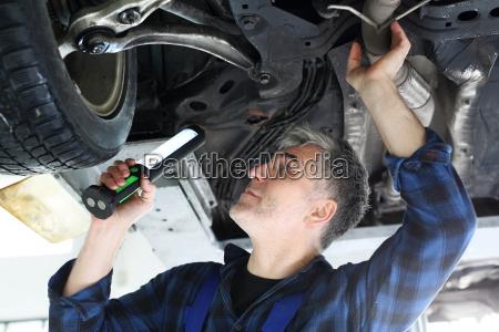 estacion de inspeccion de vehiculos coche