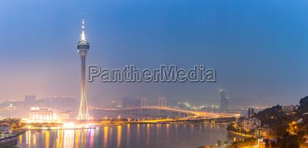 torre noche al aire libre el