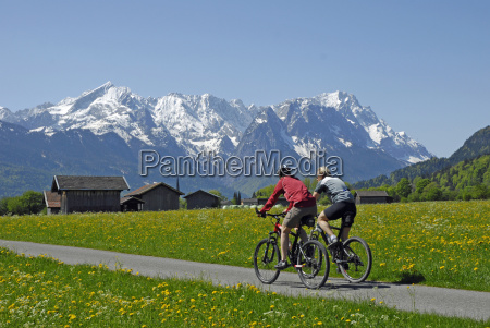 primavera excursion bicicleta montanya ciclismo