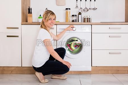 ropa de limpieza de mujer en