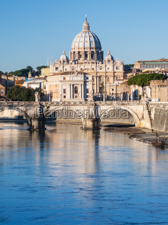 st peter basilica and tiber river