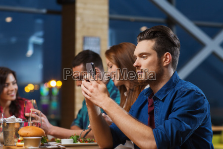 telefono cafe restaurante personas gente hombre