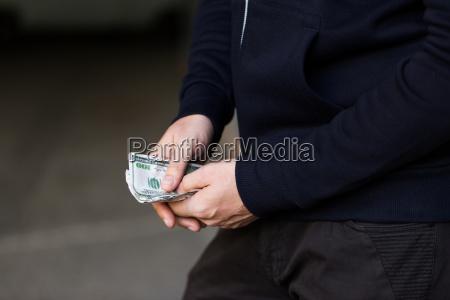 banco personas gente hombre dolar dolares