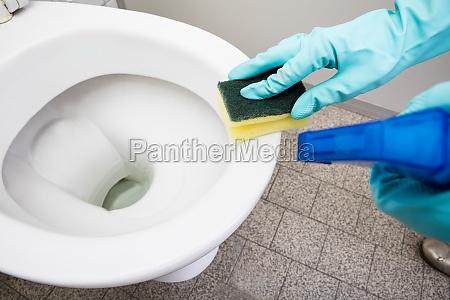 mano manos wc lavabo profesional aborto